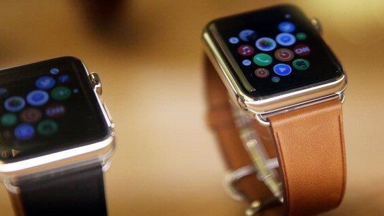 Cresce il mercato degli smartwatch, anche grazie a Apple