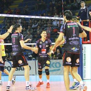 Volley, Superlega: la Lube supera la prova del nove. Modena vince ma perde terreno