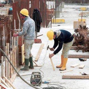 """Ocse, """"Italia migliora su produzione e lavoro, attenzione a disoccupazione e fisco"""""""