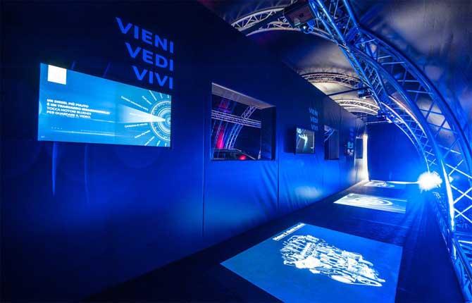 Prove su strada del futuro, idea Peugeot con tecnologia Oculus