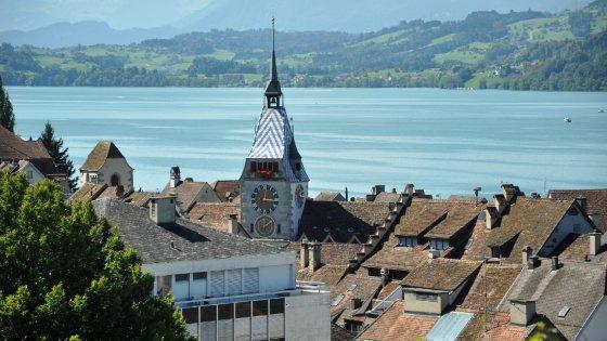 Dietrofront della Svizzera: anche i ricchi dovranno imparare il tedesco