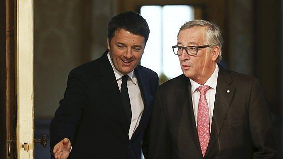 """Renzi a Juncker: """"Il nostro è il governo delle regole. Sui migranti non tutti collaborano"""""""