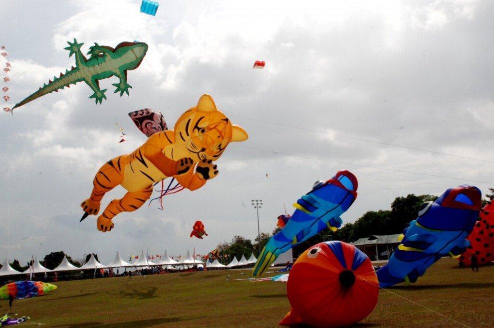 Malesia, draghi e tigri in volo: è il festival degli aquiloni