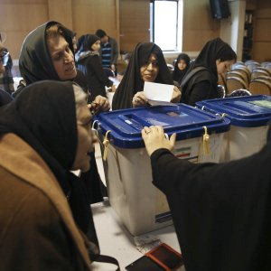 Iran: verso la sconfitta dei conservatori, a Teheran stravincono riformisti