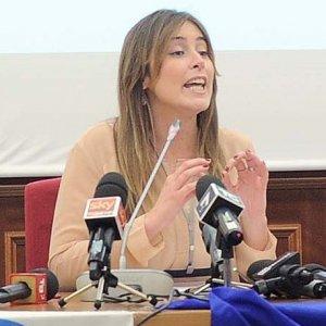 """Maria Elena Boschi: """"Ora la nuova legge sulle adozioni, anche per i single"""""""