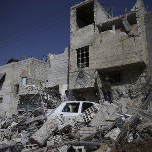 Siria, tregua fragile. Le ong denunciano bombardamenti ad Aleppo e Hama