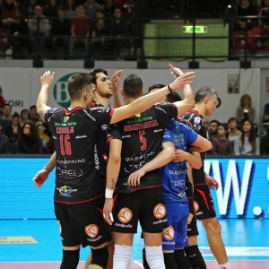 Volley, Superlega: la Lube blinda il primato. Trento cade in casa