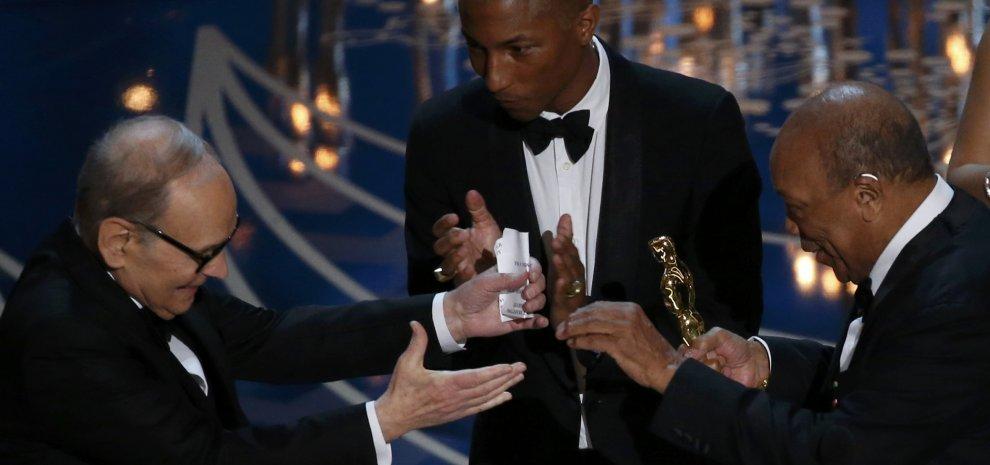 """L'Oscar a Morricone. """"Non c'è grande musica senza grande film"""". Finalmente DiCaprio"""