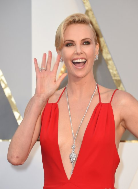 Oscar 2016 della bellezza: the winner is...Charlize Theron