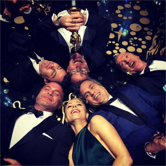 Oscar 2016, il cast di Spotlight festeggia con un selfie