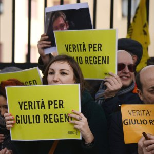"""Wind ritira spot con torture da tv e web. Amnesty e la famiglia Regeni: """"Offensivo"""""""