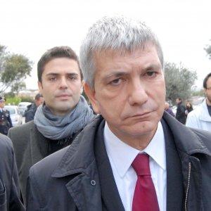 """Utero in affitto, Grillo e Avvenire contro Vendola: """"Vite umane low cost, senza dignità"""""""