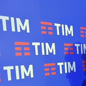 """Tim multata da Agcom per 2 milioni, """"utenti danneggiati dal passaggio al flat"""". In arrivo altro procedimento"""