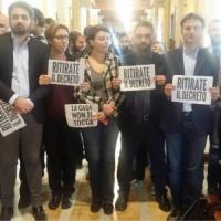 Decreto mutui, il M5s blocca la seduta alla Camera