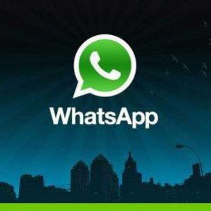 WhatsApp, ultimo aggiornamento: arriva l'invio di documenti