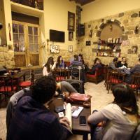 Siria, le due facce di Damasco: il ritorno alla vita