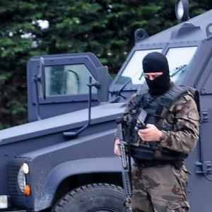 Attacco terroristico contro la polizia a Istanbul: uccise due attentatrici