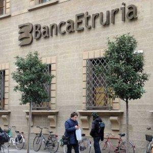 Bankitalia: sanzioni da 2,2 milioni a 27 ex manager dell'Etruria