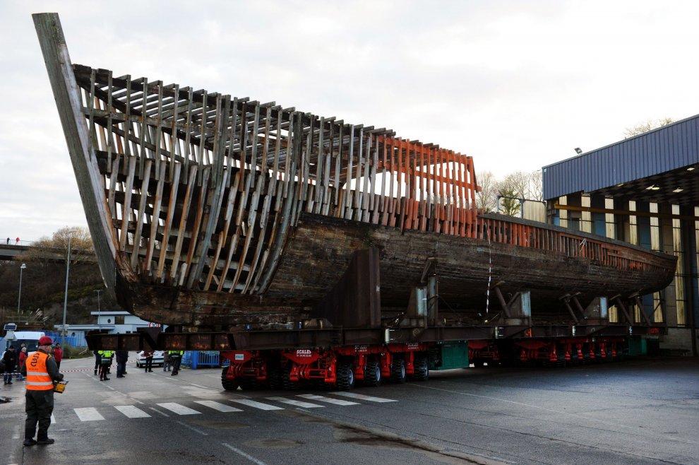 La mitica Calypso restaurata a Genova: la nave di Jacques Cousteau torna al suo splendore