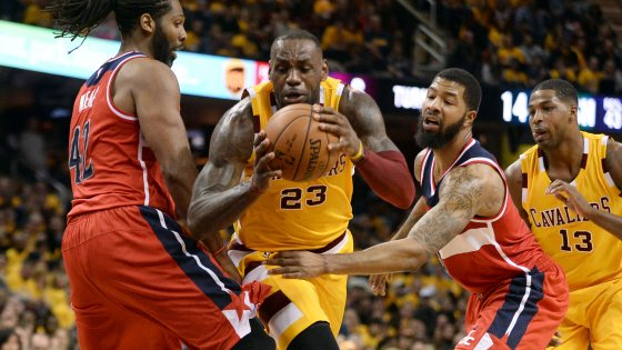 Basket, Nba: Cleveland travolge Washington, Toronto ferma Portland