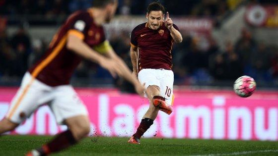 """Roma, i dubbi di Totti. Ma Pallotta lo rassicura: """"Sul futuro sarà lui a decidere"""""""