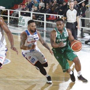 Basket, Avellino batte anche Cantù: è la nona vittoria di fila