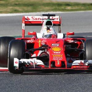"""Ferrari lancia il suo primo bond. Standard Ethics: """"Governance debole"""""""