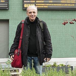 Un viaggio della memoria attraverso immagini di treni e stazioni