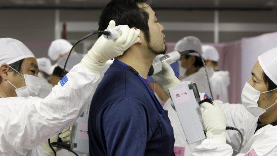 """Naoto Kan: """"A Fukushima l'acqua contaminata viene tuttora dispersa in mare"""""""