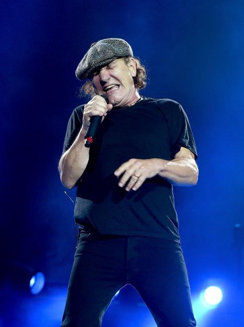 Usa, gli AC/DC rinviano il tour: Brian Johnson rischia di perdere l'udito