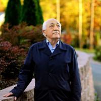 Turchia, mandato d'arresto per Gulen e il fratello. Onu, intesa Ue-Ankara viola diritto europeo