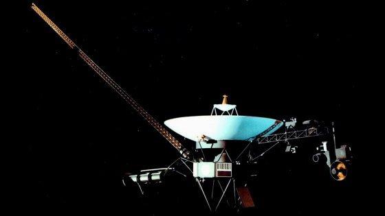 Il destino interstellare di Voyager 2, la sonda che sfiorò Urano e Nettuno
