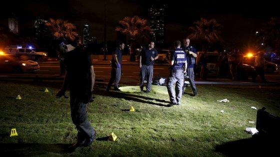 Tel Aviv, palestinese armato di coltello uccide turista Usa e ferisce altre nove persone