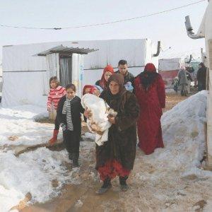 Siria, 250 mila bambini nelle città assediate, malati, costretti alla fame
