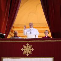 Papa Francesco, tre anni di gesti entrati nella storia: il fotoracconto