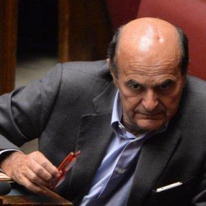 """Caos primarie Pd a Napoli, Bersani: """"Grave intervento dei vertici, problema serio"""""""