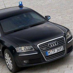Auto blu, la UE ne vuole di più: è polemica