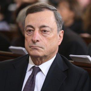 I mercati prima festeggiano Draghi, poi temono la fine dell'Eldorado. Euro volatile