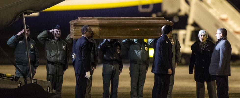 """Italiani uccisi in Libia, autopsia: """"Raffiche di kalashnikov, agguato"""""""