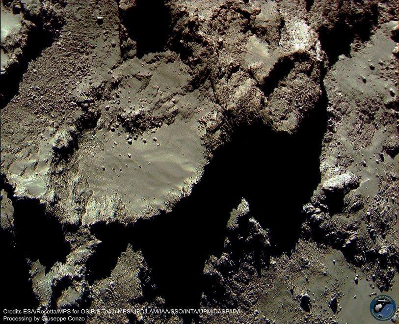 Ecco come sarebbe la cometa di Rosetta a colori