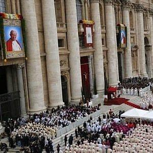 """Papa Francesco riforma le cause di canonizzazione: """"Meno costi e verifiche su spese"""""""
