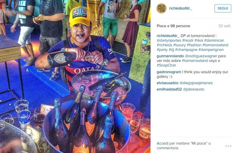 Ai Rich Kids dei Caraibi piace l'elicottero: perfino per andare in spiaggia