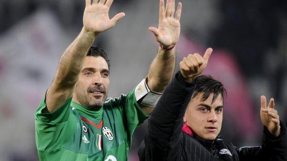 Juventus-Sassuolo 1-0: magia di Dybala, e Buffon supera il mito Zoff