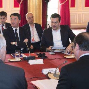 """Migranti, Renzi al Pse: """"No a Consiglio europeo ogni 15 giorni"""""""