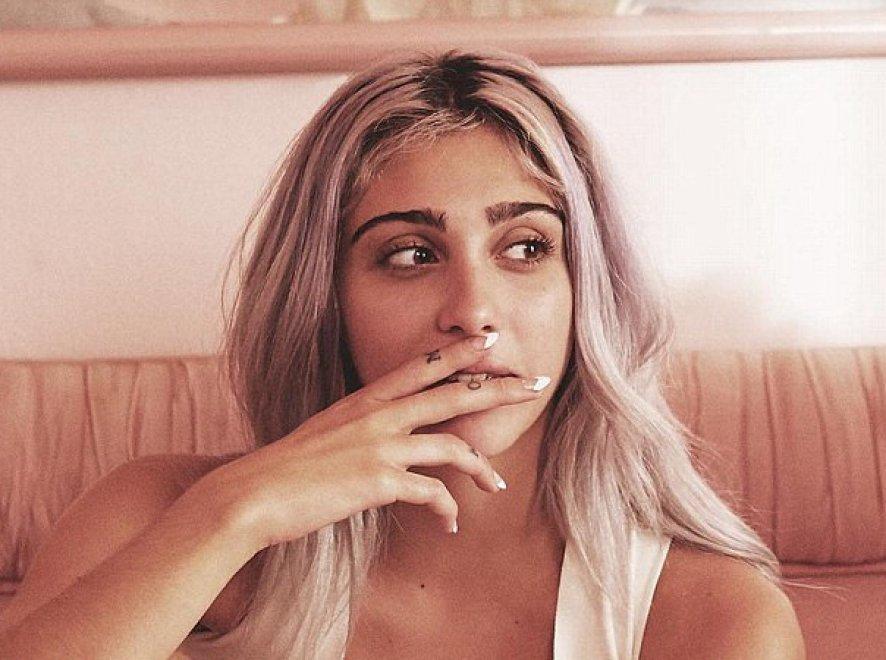 Lourdes, prima volta da modella: la figlia di Madonna posa per Stella McCartney