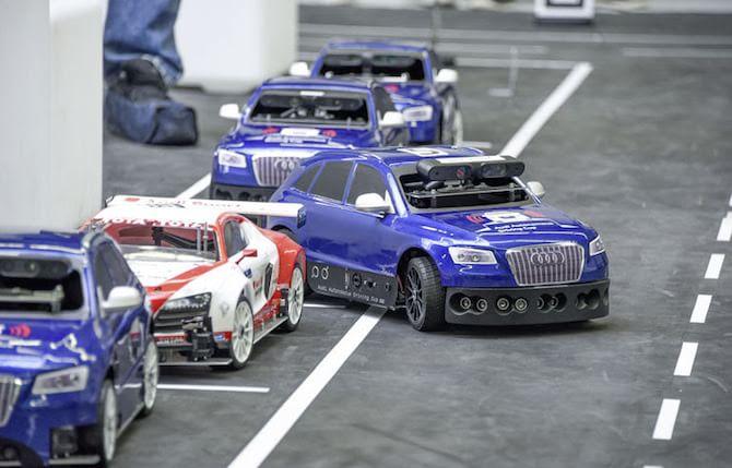 La tecnologia delle auto a guida autonoma va sui modellini