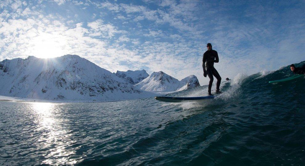 Foto . Lofoten: il surf che viene dal gelo