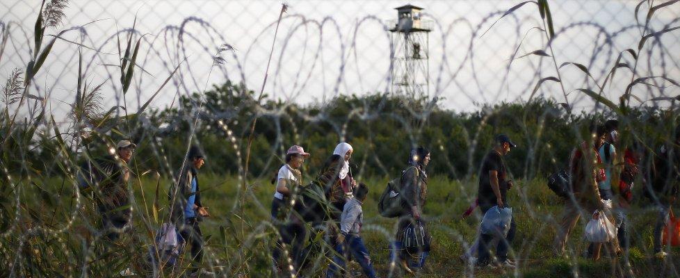 """Emergenza migranti, Austria: """"Chiudere rotta verso Italia come Balcani"""""""