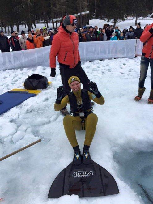 Sport estremi: 111 metri in apnea sotto il ghiaccio, il record di Valentina