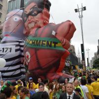 Brasile, due milioni in piazza per chiedere dimissioni di Rousseff. Slogan anche contro l'ex presidente Lula